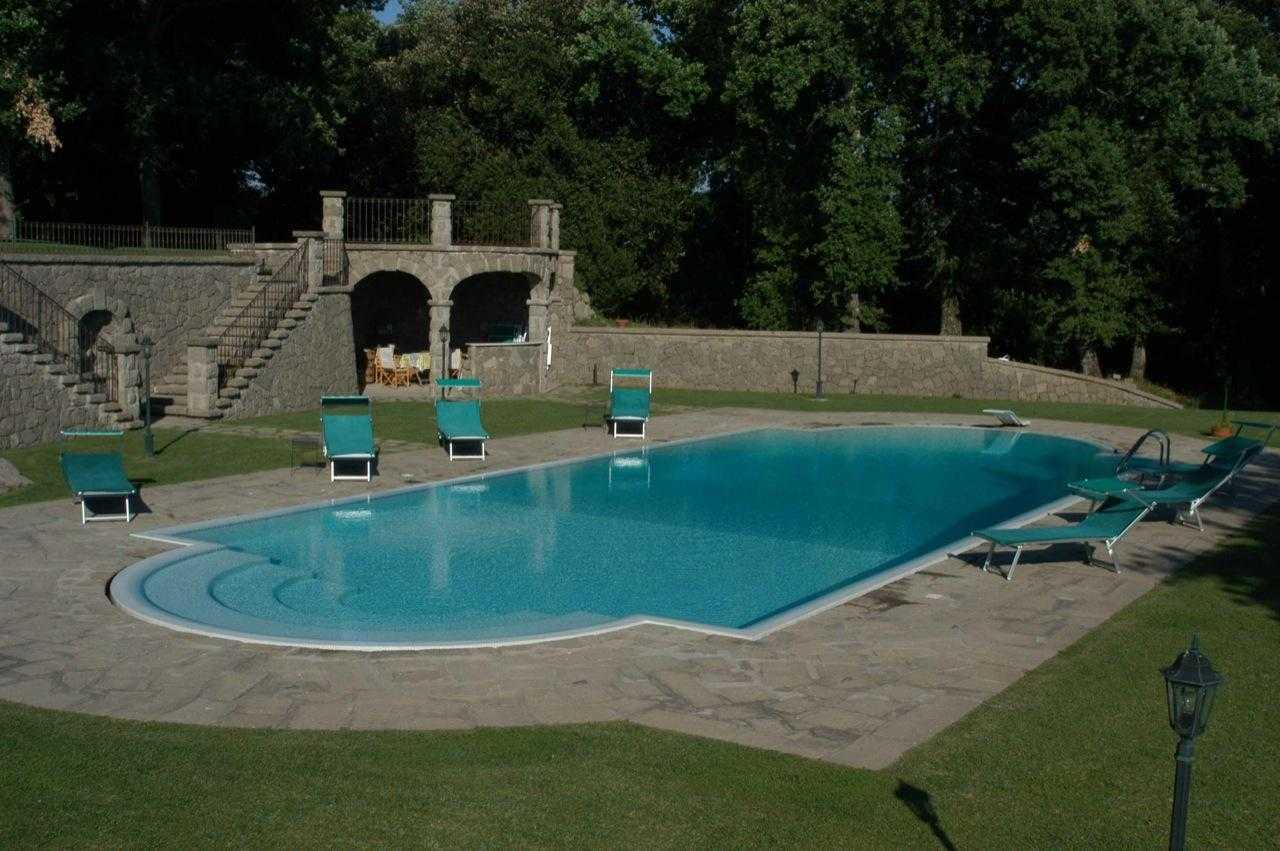 Albano laziale vendita villa di prestigio con piscina - Piscina castelli romani ...