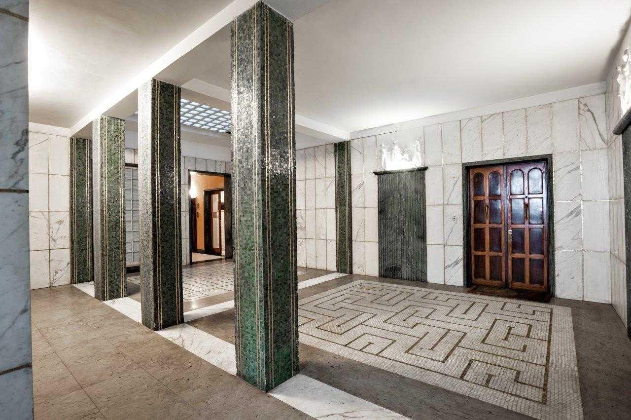 Roma parioli via gramsci affitto appartamento di for Affitto studio medico roma parioli
