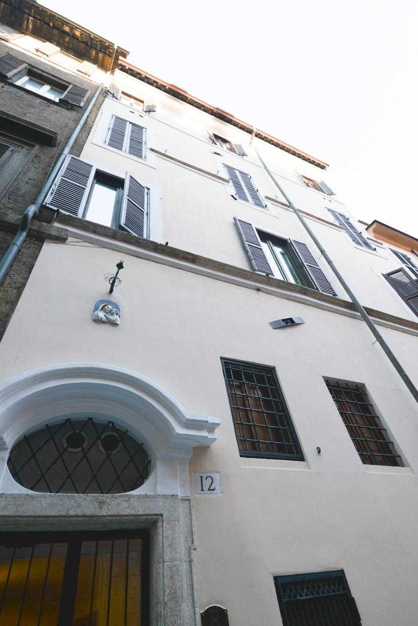 Roma centro storico attico affitto barchetta a1066 187 for Affitto ufficio centro storico roma