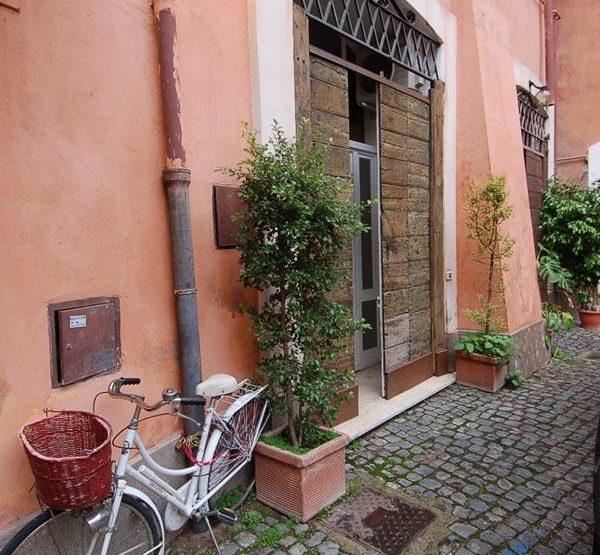 Roma Via dell'Orso