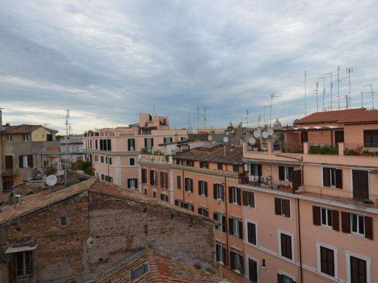 Roma  Trastevere S. Francesco a Ripa Attico con terrazza