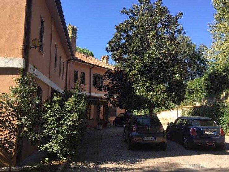 Roma via della Camilluccia Villa