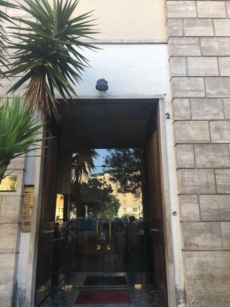 Roma parioli trilocale affitto for Affitto studio medico roma parioli