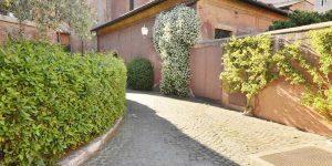 a1114_Via_San_Giovanni_Decollato-39