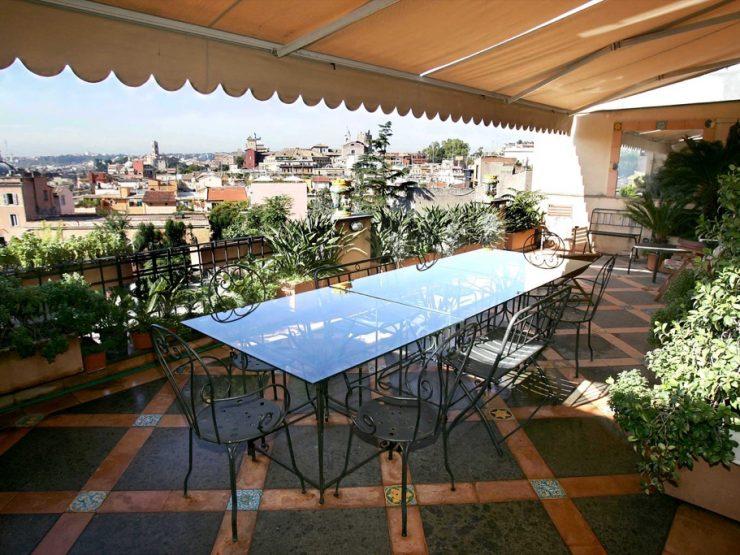 Roma Monti Affitto Attico di prestigio Via Clementina