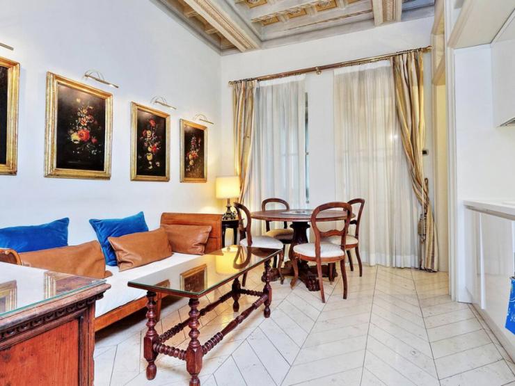 Roma Centro Storico Affitto Appartamento di Pregio