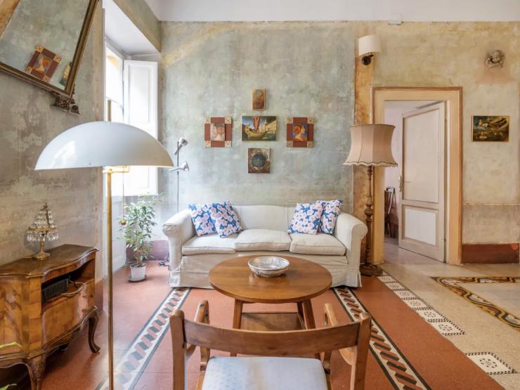 Una Domus all'Esquilino. Affascinante abitazione in palazzo umbertino