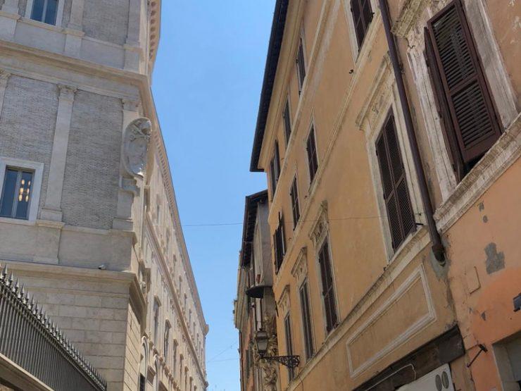 Roma Centro Storico Affitto Appartamento Via del Pellegrino