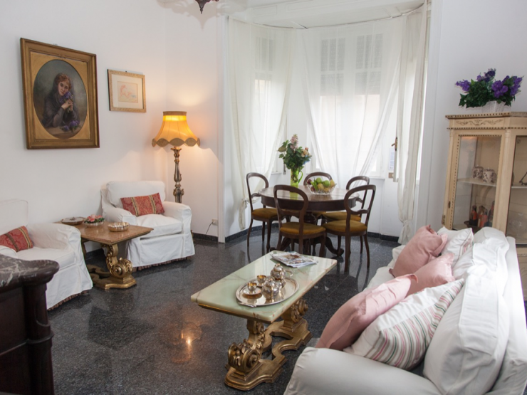 Appartamento di prestigio in viale di Villa Massimo – Torlonia. Roma. 130 mq, 4 locali, 2 bagni, balcone.