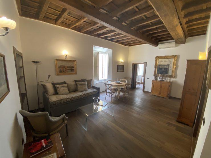 Roma Centro Storico Affitto Appartamento di prestigio Piazza Costaguti