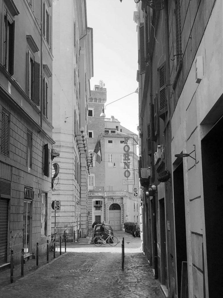 Valuta la tua casa in centro storico a Roma rione ponte
