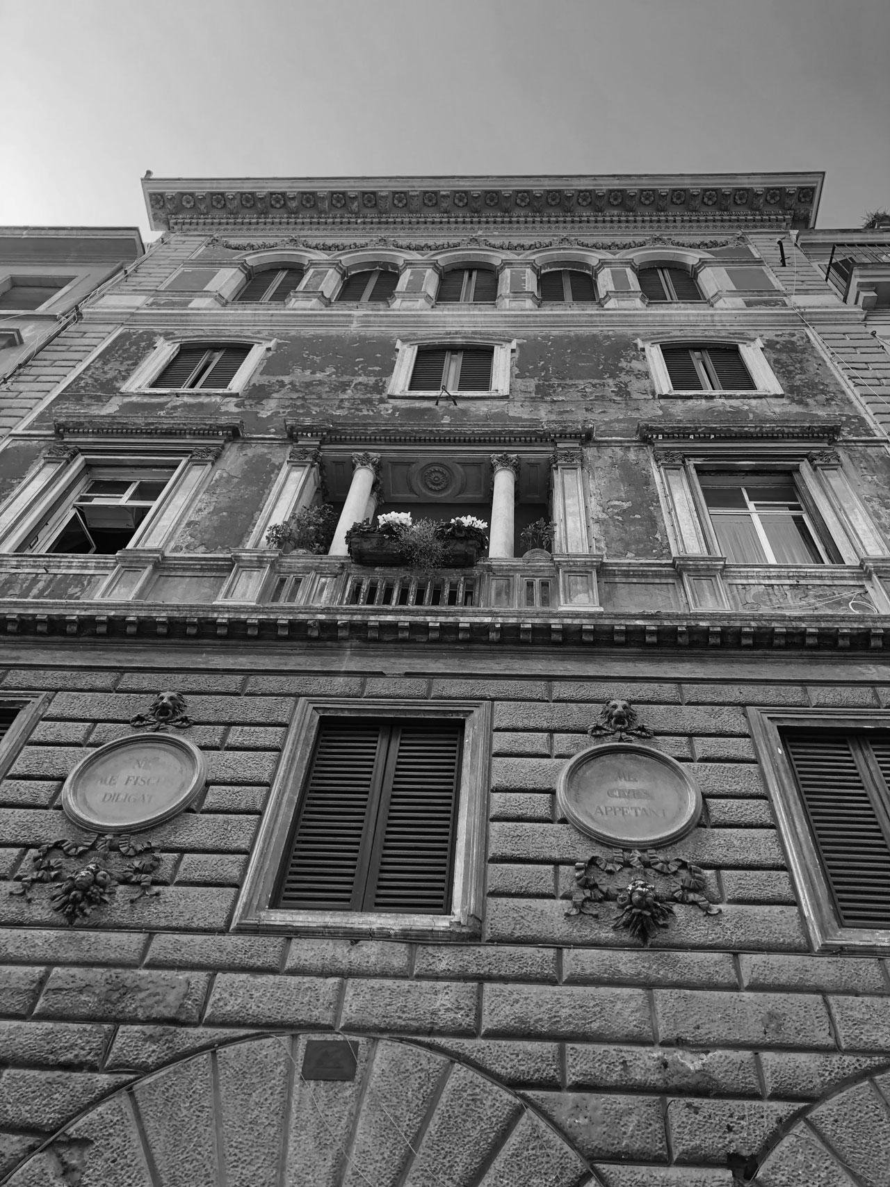 Valuta la tua casa in centro storico a Roma rione parione